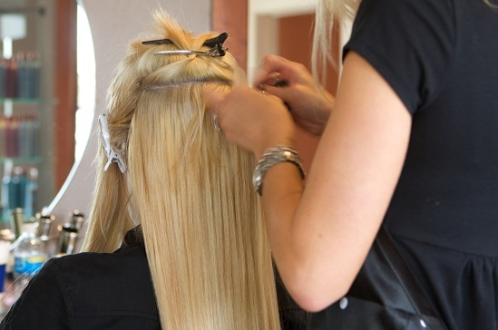 How to apply and when to remove hair extensions